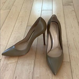 Gianvito Rossi leather pumps Camel